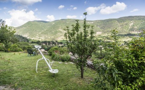 le-bellevue-gite-chambre-hotes-location-vacances-montbrun-les-bains-le-jardin
